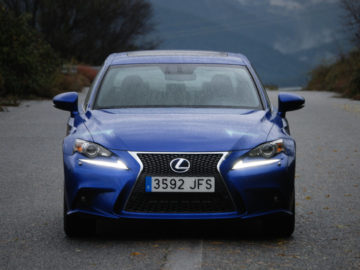Lexus IS 300h F Sport