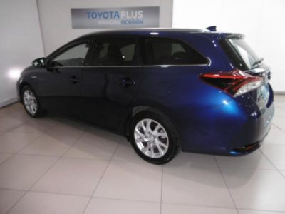 Toyota Auris Touring Sports hybrid 140H Active